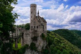 Neues Schloss Baden Baden Besondere Ausflugsziele In Baden Württemberg Paradise Found De