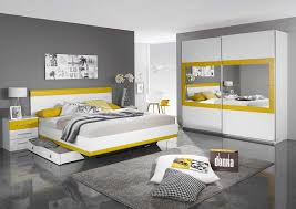 chambre grise et blanc chambre jaune gris et blanc images info inspirations avec chambre