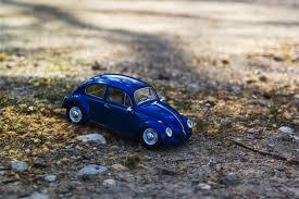 beetle volkswagen blue blue volkswagen old beetle scale model free image peakpx