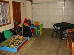Temporary Room In Garage GaragePlayroom Click On Either Photo - Garage into family room
