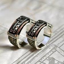 alternative wedding ring black wedding and engagement rings from the side misfit wedding