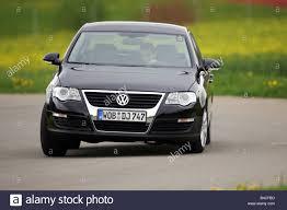 volkswagen passat black car vw volkswagen passat 1 6 fsi limousine medium class model