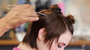 how to create texture in shorter hair using a razor