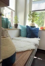 küche türkis sitzecke küche blau türkis fell cozy couchstyle