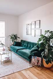 Green Sofa Living Room 10 Fall 2017 Decor Trends Green Velvet Sofa Green