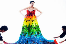 gummy clothes mcqueen inspired dress made of 50 000 gummy bears psfk