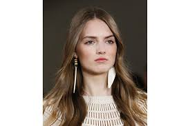 bb trend alert how to wear mismatched earrings bebeautiful