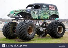 grave digger monster truck driver monster truck stock photos u0026 monster truck stock images alamy