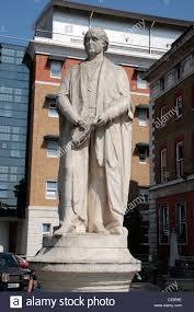 bentley college statue of robert bentley todd in the grounds of king u0027s college