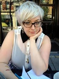 easy to keep feminine haircuts for women over 50 short haircuts for plus size women with silver hair color hair