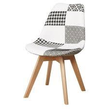 chaise en martins chaise en tissu patchwork gris et blanc pieds en bois