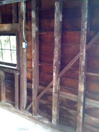 Painting Interior Log Cabin Walls by Before Painting A 1920 U0027s Garage I Say Paint The Vertical And