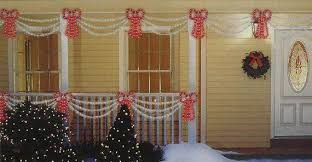 Outdoor Window Decorations For Christmas by Outdoor Christmas Decorations For A Holiday Spirit Family