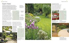 English Garden Layout by Rhs Encyclopedia Of Garden Design Amazon Co Uk Dk 9781409325741