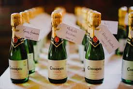 wine wedding favors wedding ideas mini chagne bottle wedding favorsrose