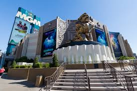 thanksgiving las vegas deals labor day weekend food and shopping deals to ring in fall food