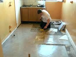 revetement de sol pour cuisine revetement sol cuisine recouvrir carrelage cuisine sol pour idees de