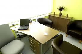 bureau entreprise pas cher domicilier entreprise ou louer un bureau quel est le moins cher