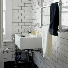 Subway Tile Ideas For Bathroom by 391 Best Tile Stone In The Bathroom Images On Pinterest Room