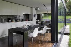 cuisine salle a manger ouverte cuisine salle à manger ouverte sur le jardin colboc franzen associés