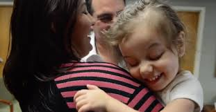 Blind And Deaf Woman This Little Sees And Hears Her Mom For The First Time At Two