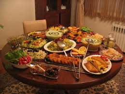 Dining Table With Food S Day Table Setting Ideas Cleaning Services