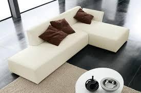 Modernwhiteminimalistsofadesignsforlivingroom HowieZine - Minimalist sofa design