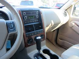 Ford Explorer Interior - used 2008 ford explorer pricing features edmunds 2008 ford