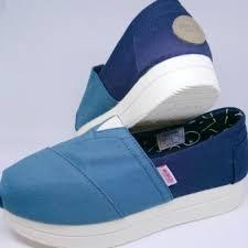 Sepatu Wakai Harganya keunggulan sepatu wakai atsui teal navy original dan harga lengkap