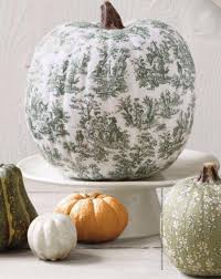 Thanksgiving Pumpkin Decorations 41 Ways To Decorate For Fall Halloween And Thanksgiving With