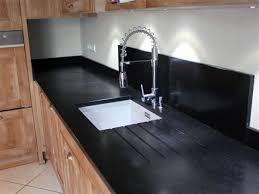 cuisine granit comment eclairer sa cuisine 9 plan de travail granit