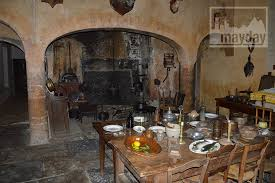 cuisine chateau 17th century castle spirit in beaujolais rav0501