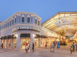 tanger outlets charleston hours