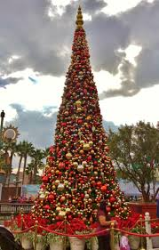 the pnw mouse meet blog disneyland resort christmas trees part 2