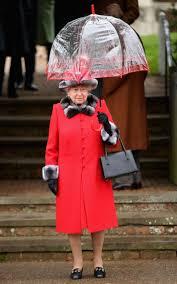 the queen u0027s wardropedia 2 inch heels 200 handbags and why she u0027s