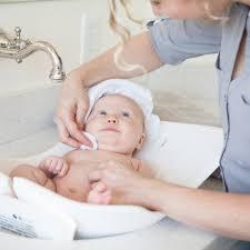 Bathing A Baby In A Bathtub Puj Tub Puj Simplifying Parenthood