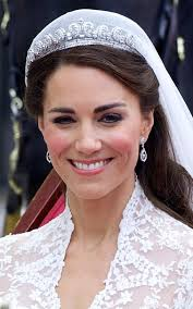 kate middleton diamond earrings pippa middleton recycles diamond earrings originally commissioned