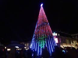 Crocker Park Lights Up For The Holidays Cleveland Com
