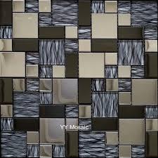 cuisine cristal inoxydable métal gris cristal mosaïque de verre tuile dosseret de