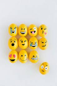 best diy projects diy emoji easter eggs diy pinterest