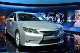 lexus cars nyc lexus es 300h hybrid new york 2012 hd pictures automobilesreview