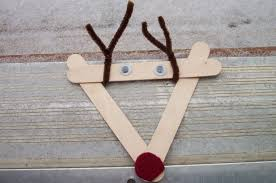 play with me popscicle stick reindeer