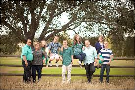 colors for family pictures ideas tips on what to wear for spring family pictures