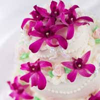 hawaiian wedding table settings and wedding cakes
