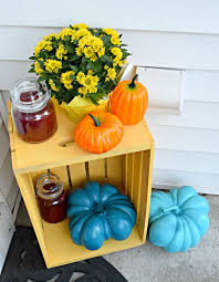 fall front porch tabletop decor