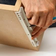 coulisse tiroir cuisine comment bien installer des rails à tiroirs