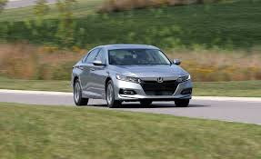 what is the luxury car for honda 2018 honda accord sedan pictures photo gallery car and driver