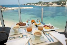 chambres d hotes ile rousse petit déjeuner en terrasse photo de hôtel ile rousse thalazur