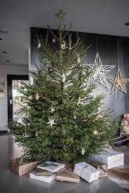 How To Trim A Real Christmas Tree - home design christmas inspiration