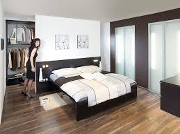 Schlafzimmer Und Bad In Einem Raum Stilvolles Schlafzimmer Mit Par Excellence Schlafzimmer Modern